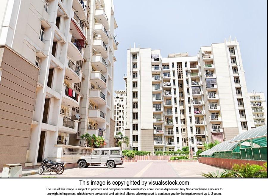 Construction New Luxury Apartment Buildings