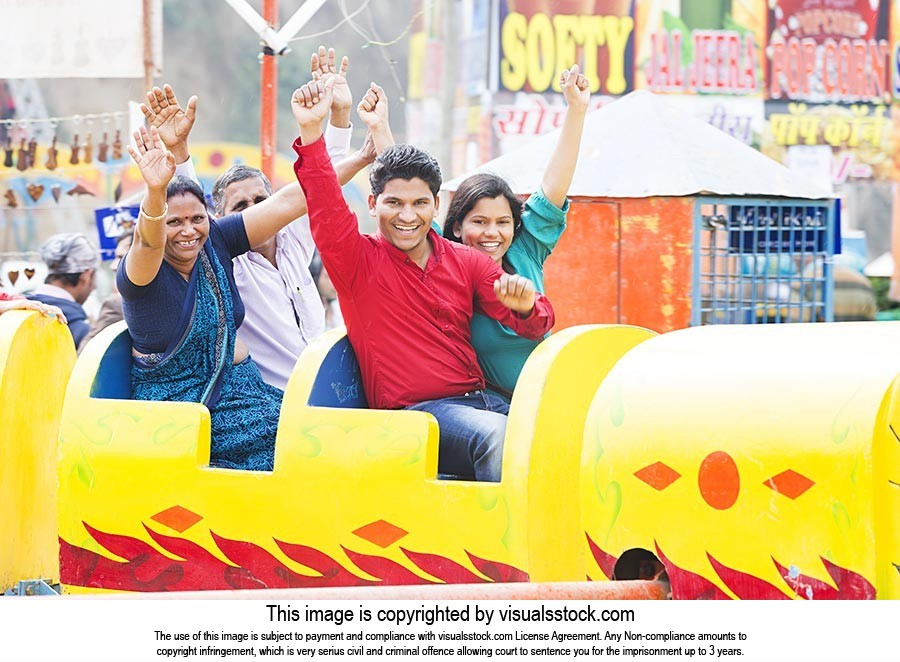 Family Fun Rides Fair Surajkund Cheering