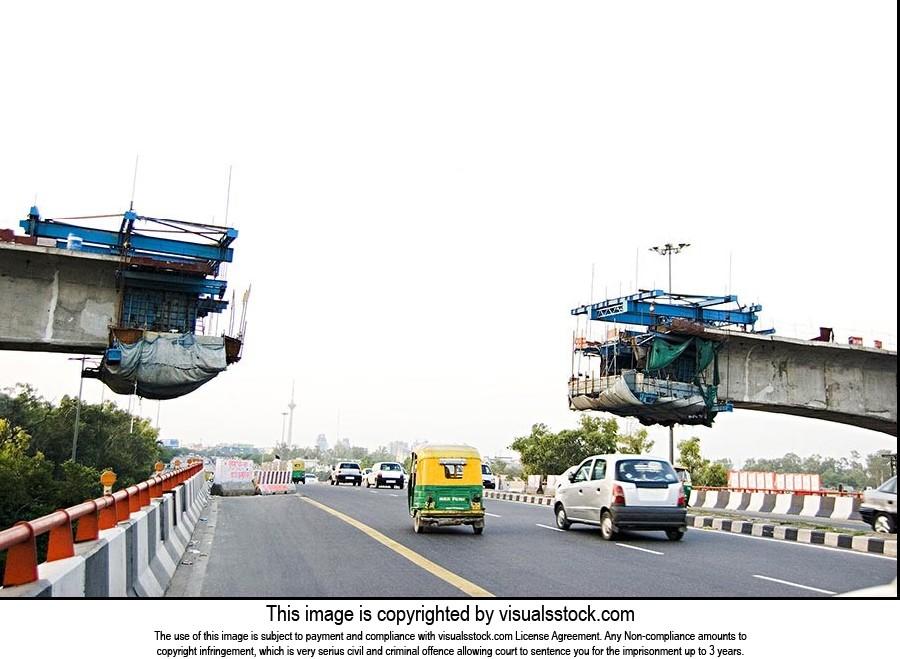 Architecture ; Bridge ; Car ; Color Image ; Connec