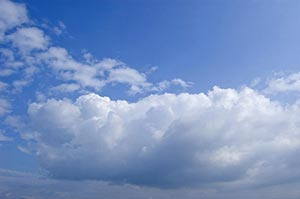 Beauty In Nature ; Blue Sky ; Cloud ; Color Image