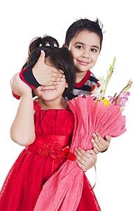 2 People ; Beautiful ; Bonding ; Bouquet ; Boys ;
