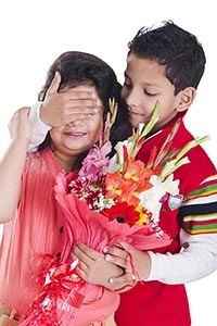 2 People ; Beautiful ; Bonding ; Bouquet ; Boys ;