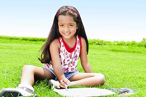 Happy Kid Girl Park Sitting Drawing Painting Educa