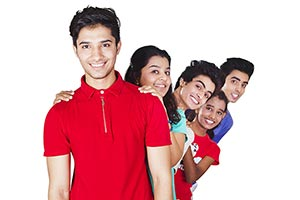 Group Teenager Friends Standing Queue s Smiling En