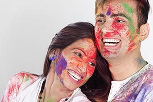 Enjoying Couple Festivals Holi Celebrating Enjoy