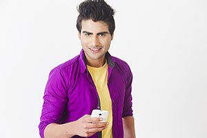 1 Person Only ; 20-25 Years ; Casual Clothing ; Ch