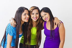 3 Young Womens Friends Standing Teenager Smiling E