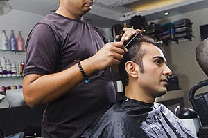 Indian Man Hair Salon