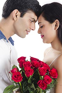 Couple Flowers Valentine s Day Proposing