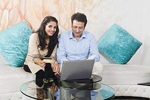 Indian Couple Online Shopping Credit card
