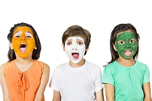 3-5 People ; Body Paint ; Boys ; Brother ; Celebra