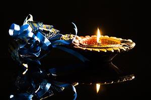 Black background ; Burning ; Celebrations ; Close-