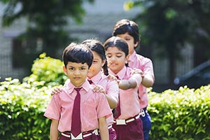 3-5 People ; Bonding ; Boys ; Classmate ; Color Im
