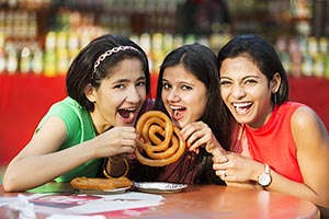 Girls Friends Fair Surajkund Eating Jalebi Greedy