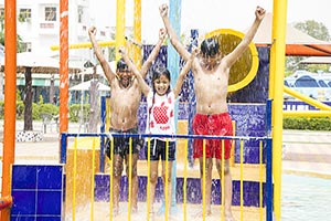 Little Children Friends Bathing Swimming Pool Wate