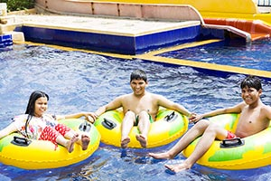 Brother Swimming Pool Waterpark Sister Enjoy Summe