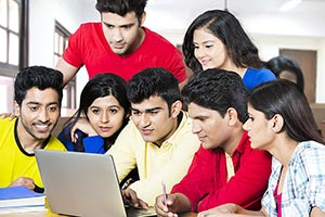 Group College Friends Student Classroom Laptop Stu