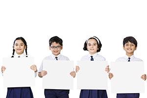 3-5 People ; Boys ; Classmate ; Color Image ; Comm