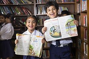2 People ; Book ; Bookshelf ; Boys ; Classmate ; C