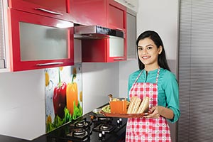 1 Person Only ; 25-30 Years ; Adult Woman ; Apron