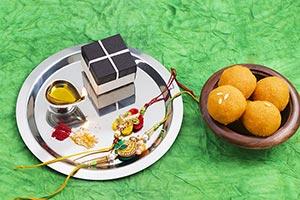 Abundance ; Arranging ; Background ; Bowl ; Box ;