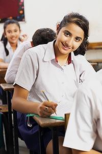 3-5 People ; Book ; Classmate ; Classroom ; Color